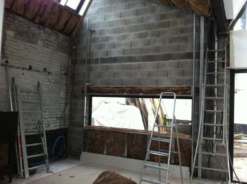 Ossature plafond mur lucarne peinture mur exterieur loft for Raccord peinture mur plafond